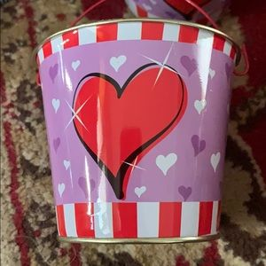 New listing :  Heart metal buckets with handle